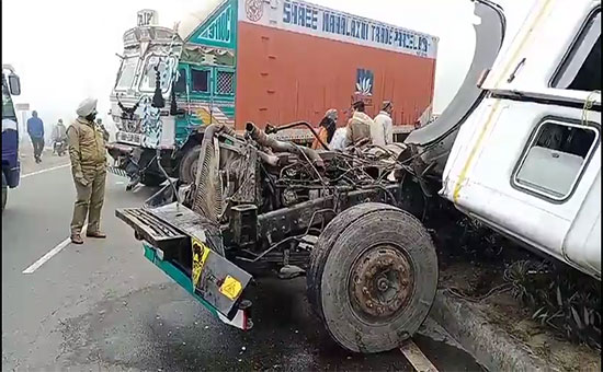 Accident due to Thick fog, chaos near Samba on Jammu Pathankot National Highway