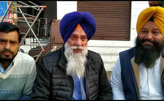 Akali-leaders-Virsa-Singh-Valtoha,-Vir-Singh-Lopoke-visited-Rajasansi-(2)
