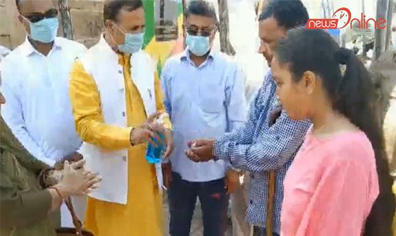 BDC Chairman and SHO Ghagwal aware people of corona virus