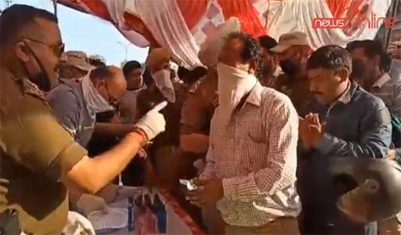Samba Police Distributes Sanitizers and Masks