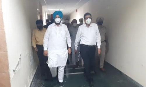 Cabinet Minister Sukhjinder Randhawa reached Gurdaspur