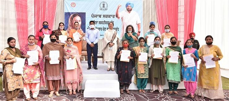BIG LEAP TOWARDS WOMEN EMPOWERMENT; ARUNA CHAUDHARY HANDS OVER APPOINTMENT LETTERS TO 362 ANGANWADI SUPERVISORS