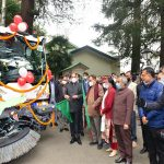 CM flags off sweeping machine under Shimla Smart City