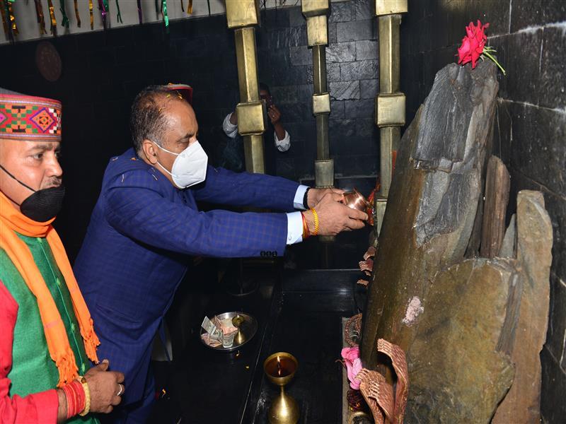 Chief Minister Jai Ram Thakur performing Puja at Nagni Mata Temple at Banikhet in Chamba district on 12 Nov 2020.