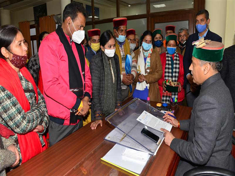 A deputation of Mid Day Meal Workers meeting Chief Minister Shri Jai Ram Thakur at Shimla today.