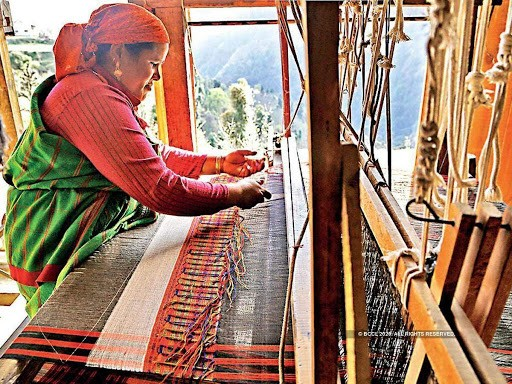 Efforts of Handicrafts and Handloom Corporation proves effective in making weavers and artisans independent