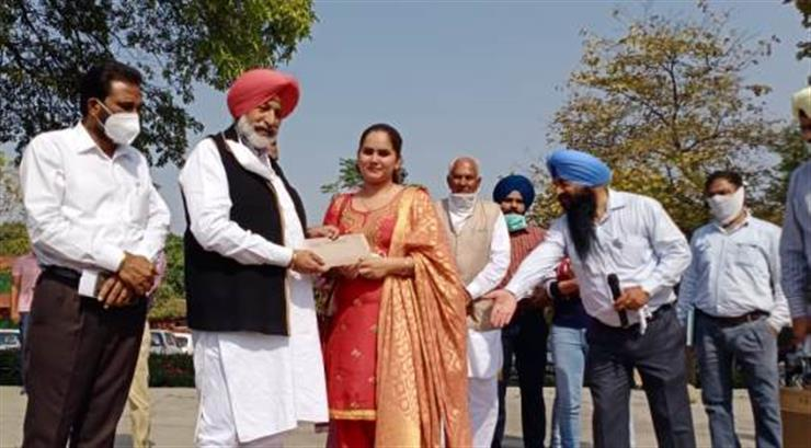 Health & Family Welfare Minister Punjab Mr. Balbir Singh Sidhu today handed over appointment letters to 354 Staff Nurses and 6 Pharmacy Officers.