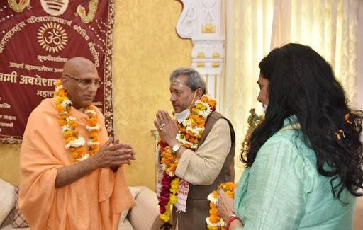 mukhyamantree shree teerath sinh raavat ne sv. hemavatee nandan bahuguna kee punyatithi ke avasar par budhavaar ko ghantaaghar sthit em.dee.dee.e kaamplaiks