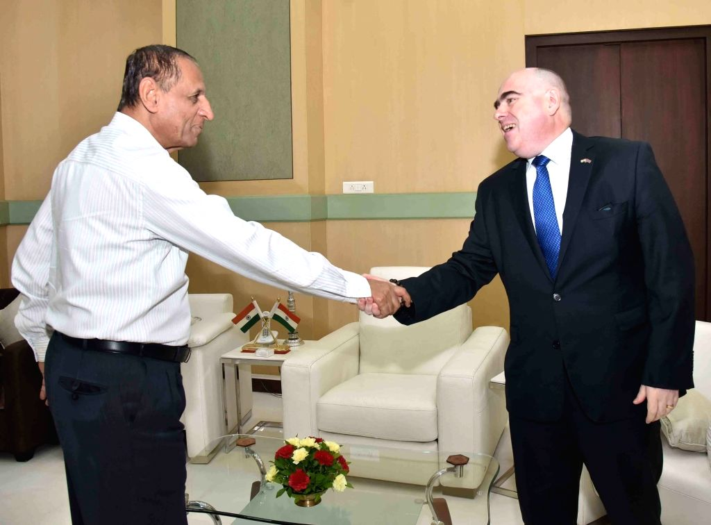 British Deputy High Commissioner calls on Governor