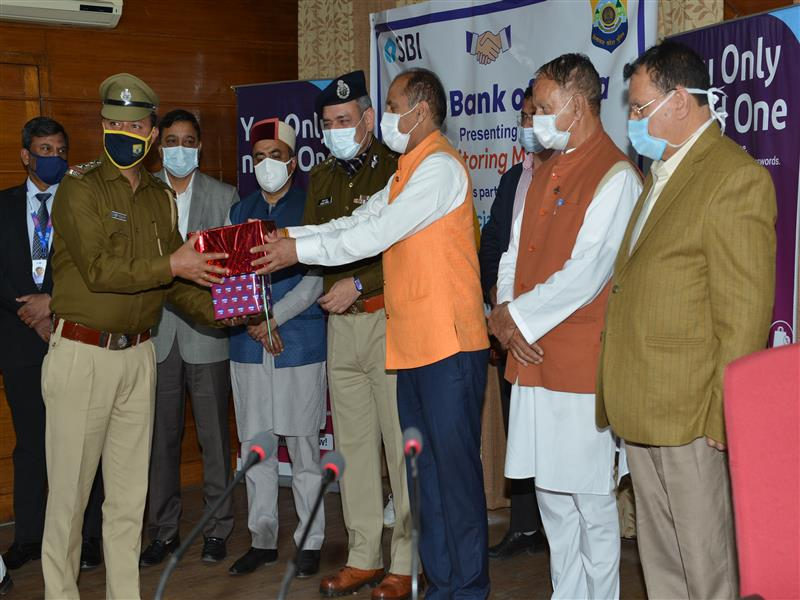Chief Minister Jai Ram Thakur distributed Blood Pressure Monitors, provided by the State Bank of India as part of social responsibility to the Police personnel of the State here today.