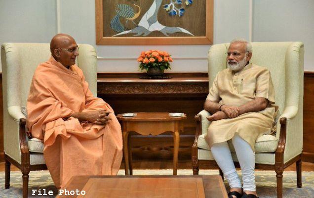 PM calls Acharya Mahamandaleshwar Poojya Swamy Avdheshanand Giri Ji