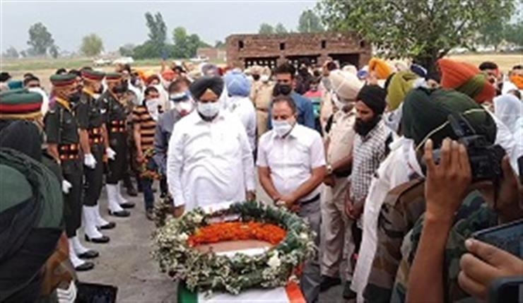 Martyr Sepoy Pargat Singh cremated with military honours at ancestral village Daburji