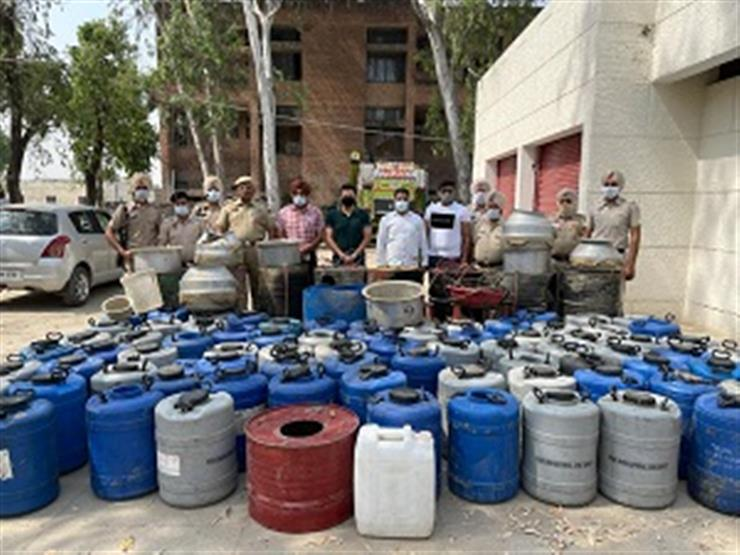 Punjab Police busts illicit Liquor Manufacturing Unit in Amritsar Rural district; five held