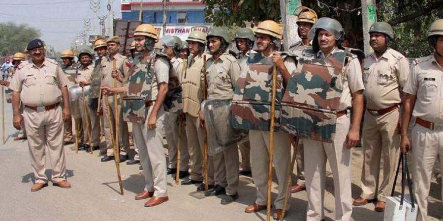 A team of State Vigilance Bureau, Haryana caught EASI Iqbal Singh, Police Station Sivani, District Bhiwani