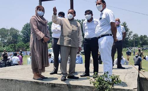 Asks authorities to expedite the work during a visit to the site of the Project