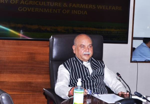 Self-reliant and Digital India will only be realized by taking along the agriculture sector: Shri Tomar