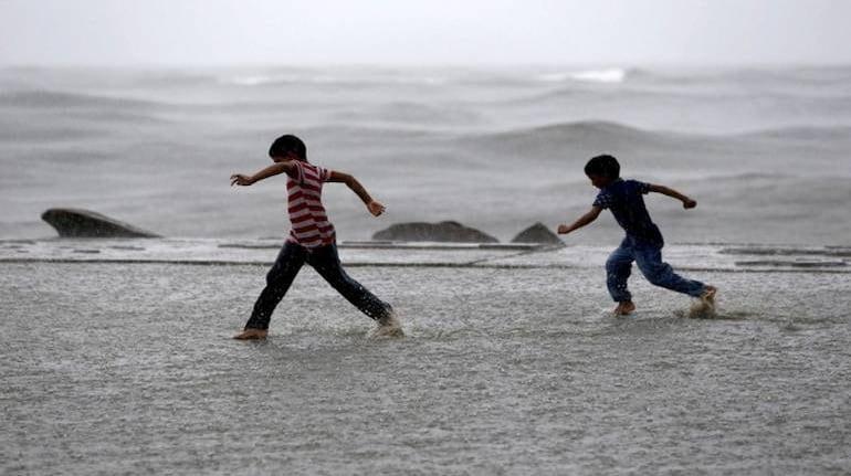 The Northern Limit of Monsoon (NLM) continues to pass through Diu, Surat, Nandurbar, Bhopal, Nowgong, Hamirpur, Barabanki, Bareilly, Saharanpur, Ambala & Amritsar