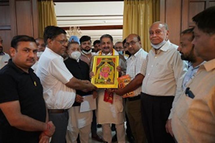 Delegation of Aggarwal Samaj felicitates Cabinet Minister Vijay Inder Singla