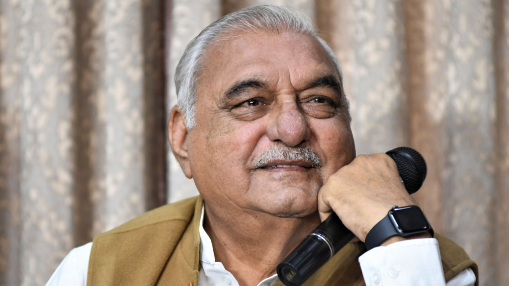Haryana Chief Minister, Sh. Manohar Lal has hit back at the statement of Congress leader Sh. Bhupendra Singh Hooda on the increasing unemployment rate in Haryana