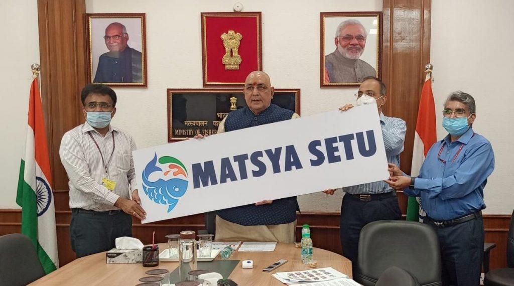 Union Minister for Fisheries, Animal Husbandry and Dairying, Shri Giriraj Singh launches