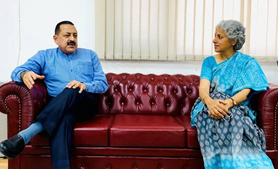 Chief Scientist, WHO Dr Soumya Swaminathan, currently in India, calls on Union Minister Dr Jitendra Singh and discusses various aspects of COVID pandemic