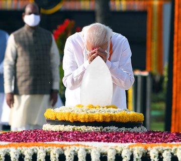PM pays tributes to Shri Atal Bihari Vajpayee on his Punya Tithi