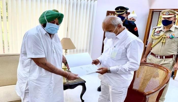 Know-what-Amarinder-Singh-says-after-resigning-as-Punjab-CM-1