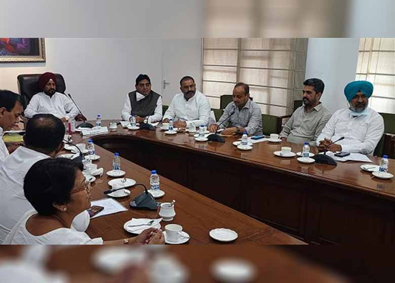 Punjab Cm Holds One To One Interaction With Mlas To Resolve Issues Of Their Assembly Constituencies